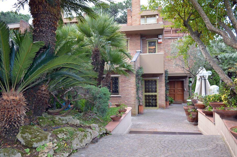 Soluzione Indipendente in vendita a Roma, 13 locali, prezzo € 2.000.000 | Cambio Casa.it