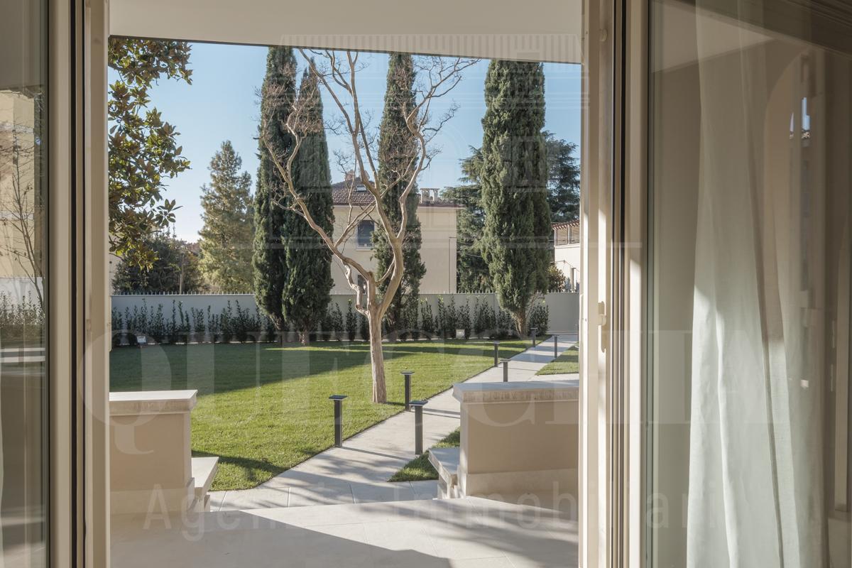 Villa - Casa a Brescia (Brescia) in Vendita