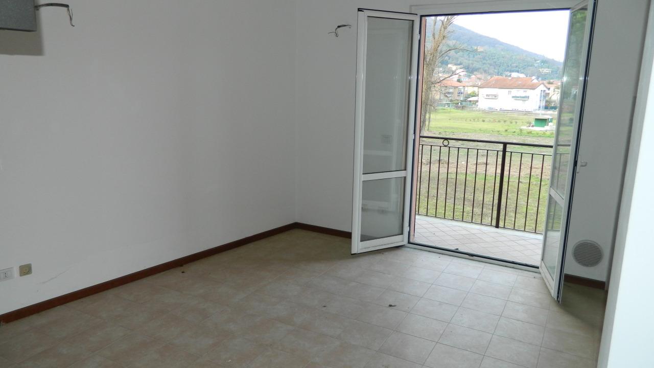 vendita appartamento ameglia   175000 euro  4 locali  60 mq