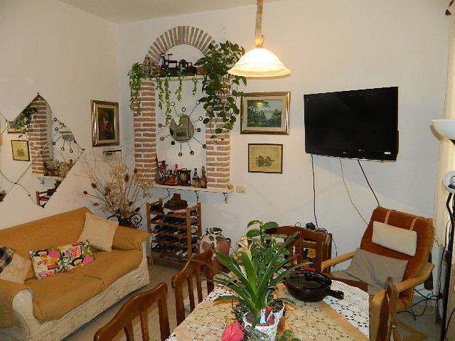 vendita appartamento ameglia   205000 euro  4 locali  106 mq