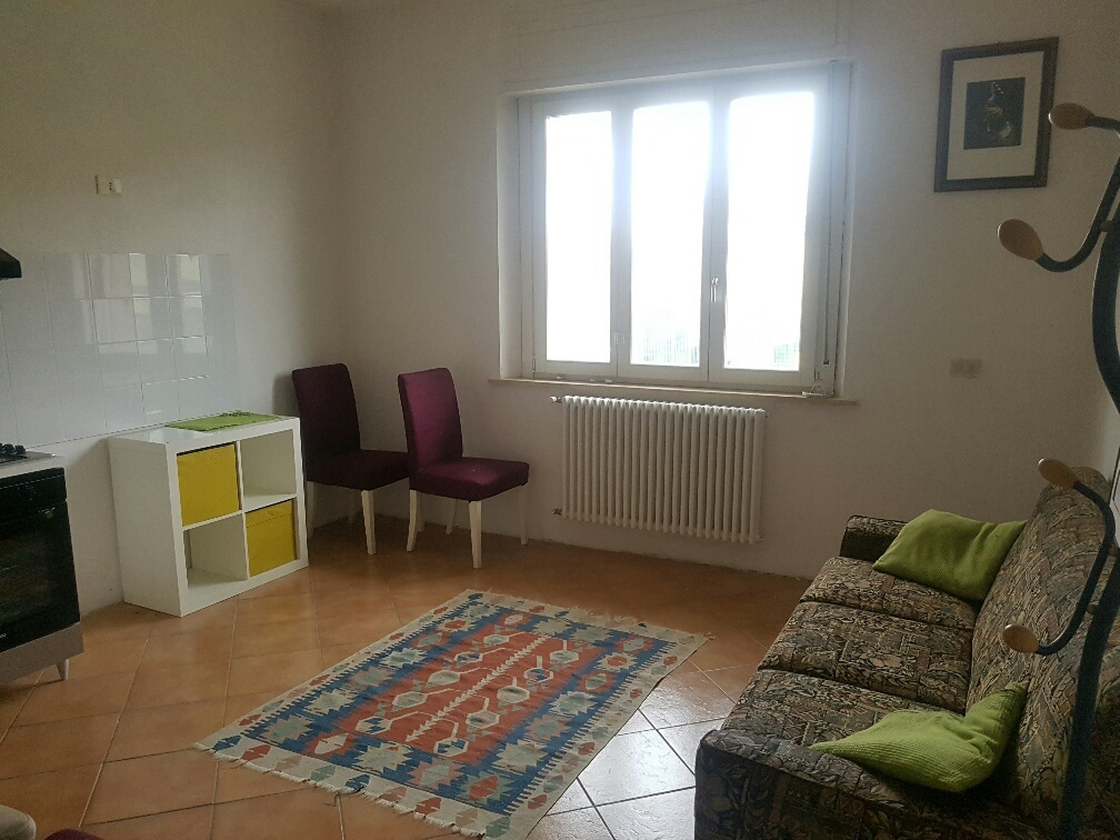 Appartamento in affitto a Fornovo di Taro, 2 locali, prezzo € 350 | CambioCasa.it