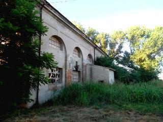 Rustico / Casale in vendita a Rovigo, 10 locali, prezzo € 39.000 | CambioCasa.it