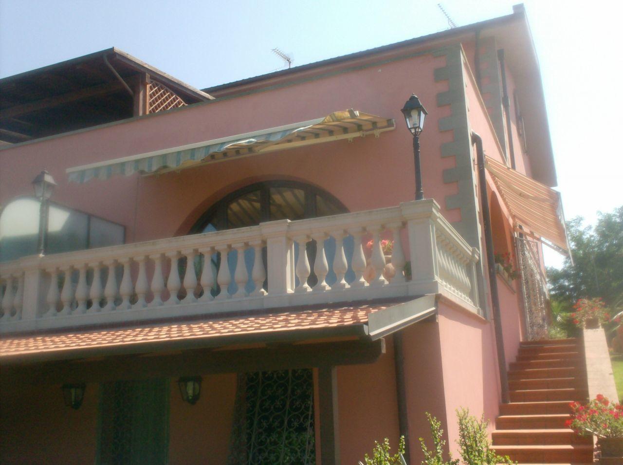 Appartamento 6 locali in vendita a Livorno (LI)