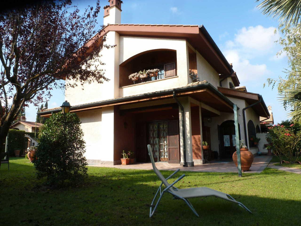 Soluzione Indipendente in vendita a Rocca di Papa, 7 locali, prezzo € 670.000 | Cambio Casa.it
