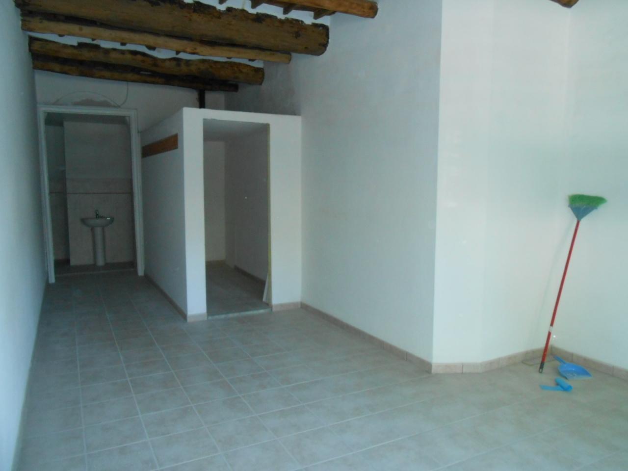 Capannone in vendita a Lucca, 1 locali, prezzo € 80.000 | Cambio Casa.it