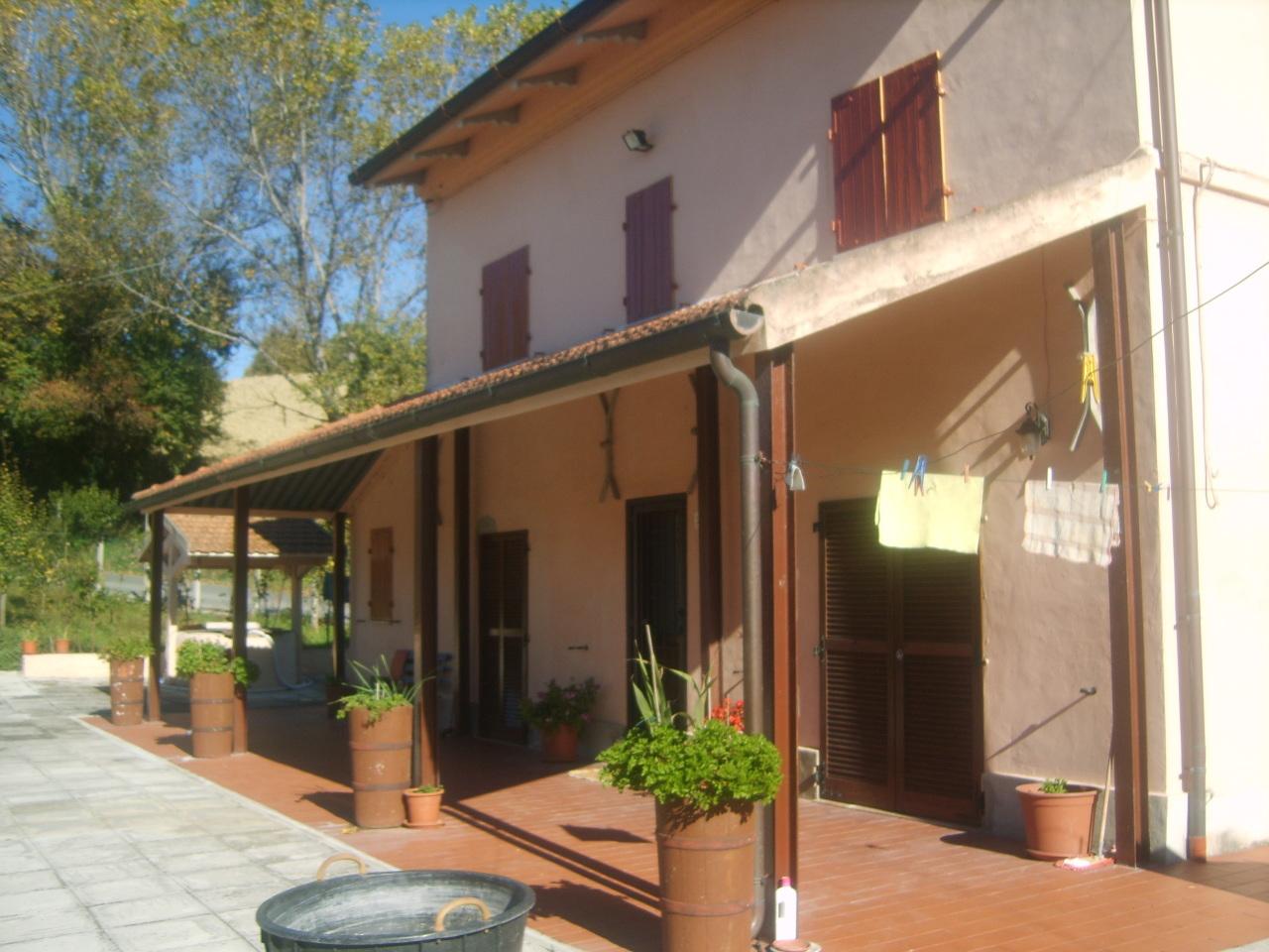 Rustico / Casale in vendita a Senigallia, 9999 locali, prezzo € 180.000 | Cambio Casa.it