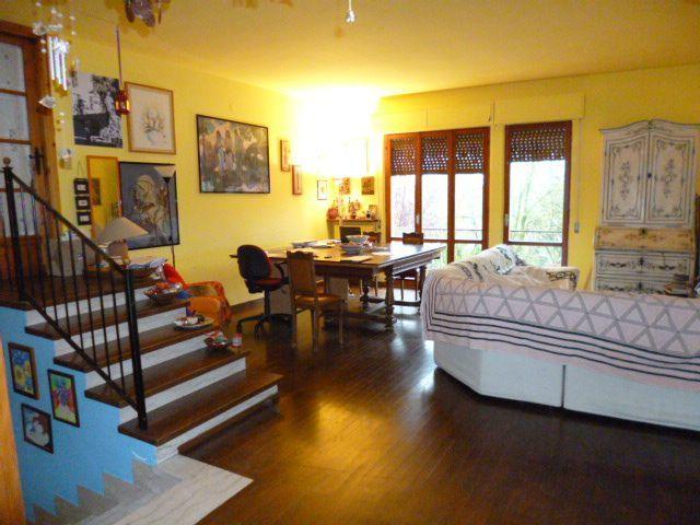 Soluzione Indipendente in affitto a Jesi, 5 locali, prezzo € 340.000 | Cambio Casa.it