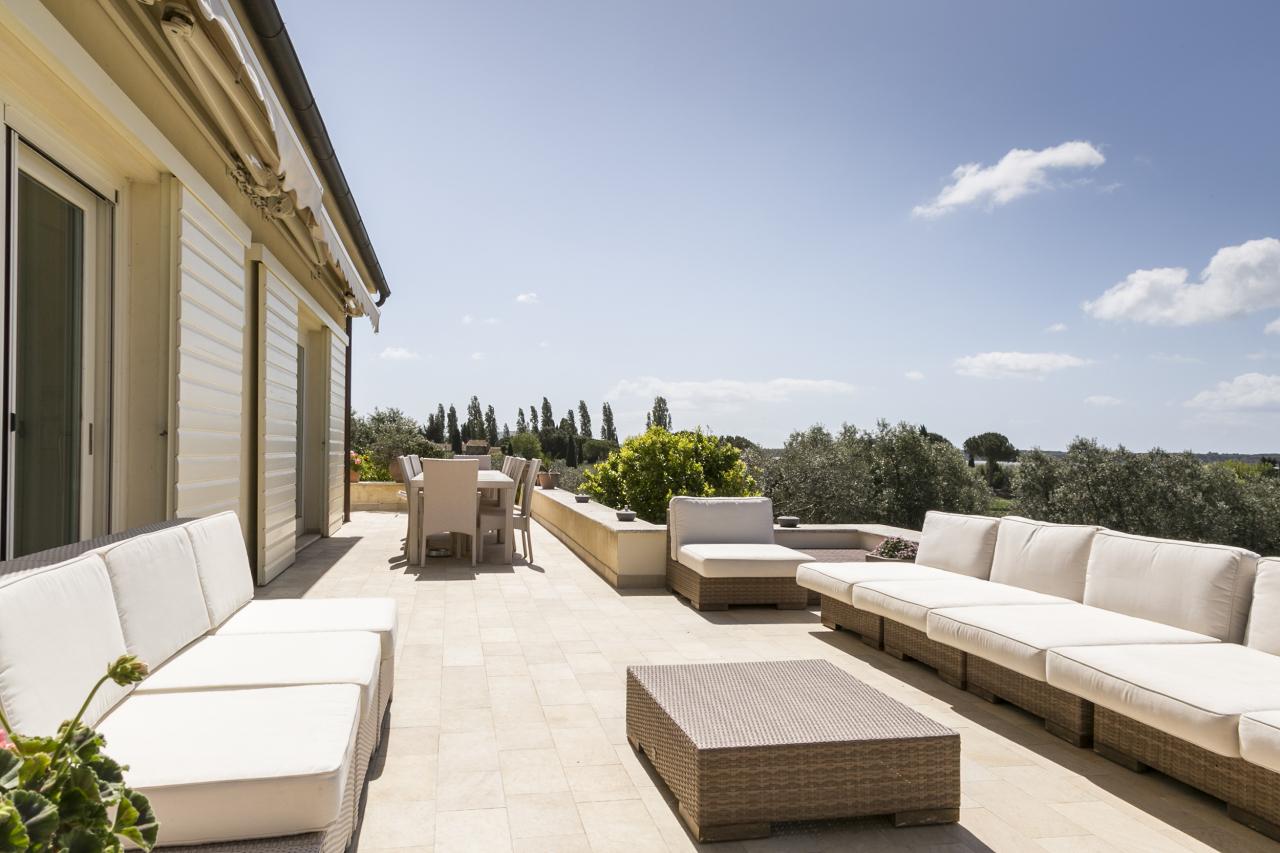 Villa in vendita a Orbetello, 7 locali, prezzo € 1.600.000   CambioCasa.it