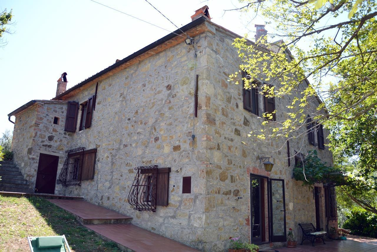 Rustico / Casale in vendita a Castiglione d'Orcia, 8 locali, prezzo € 800.000 | CambioCasa.it