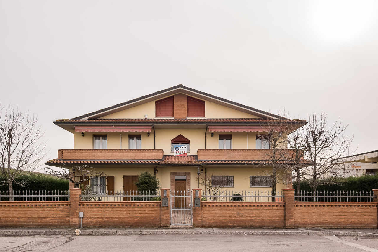 Foto 1 di Villa Via dell'Artigianato 42, Poggio Renatico
