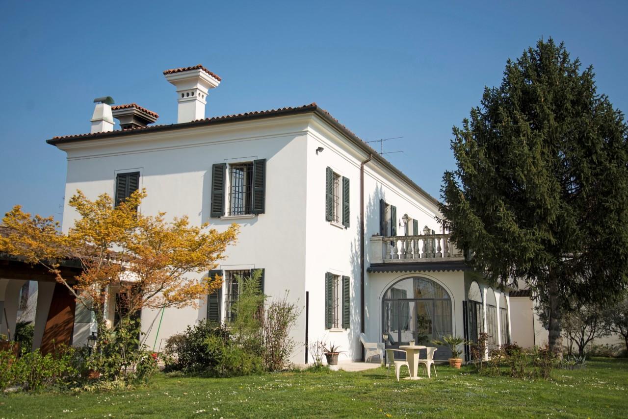 Casa indipendente in vendita a Passirano (BS)