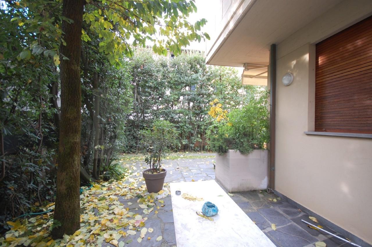 Villa in vendita a Pietrasanta, 7 locali, prezzo € 580.000 | Cambio Casa.it