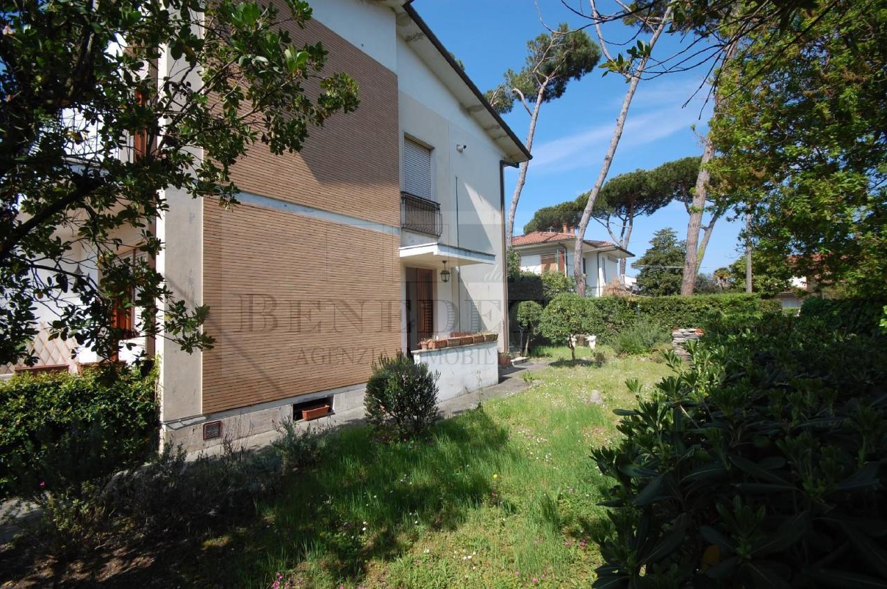 Soluzione Indipendente in vendita a Pietrasanta, 7 locali, prezzo € 550.000   Cambio Casa.it