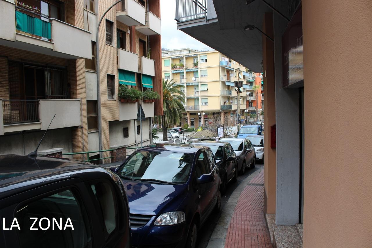 Negozio / Locale in vendita a Recco, 1 locali, prezzo € 45.000   CambioCasa.it