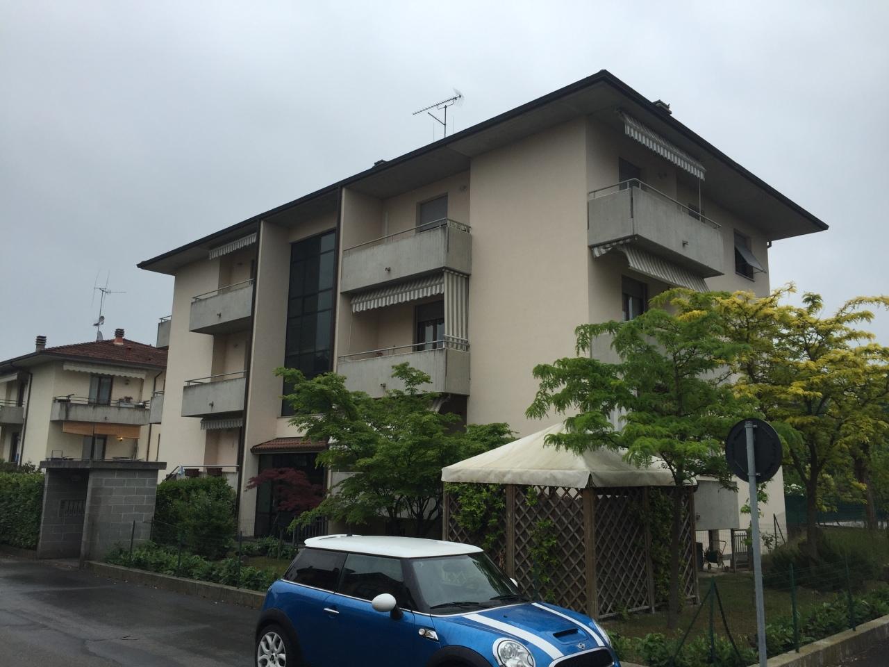 Appartamento in vendita a Fornovo di Taro, 4 locali, prezzo € 135.000   CambioCasa.it
