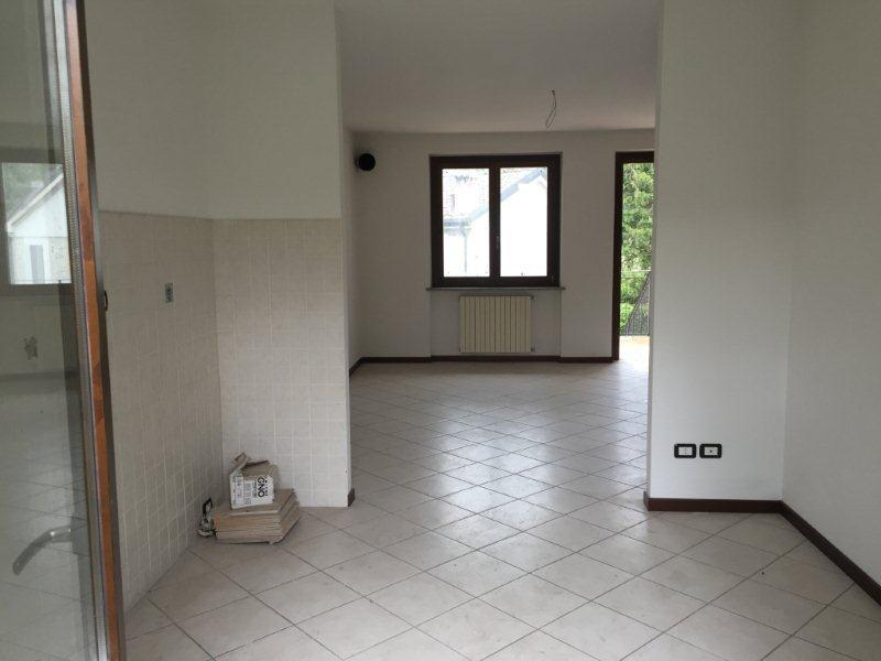 Villa a Schiera in affitto a Fornovo di Taro, 5 locali, prezzo € 500 | CambioCasa.it