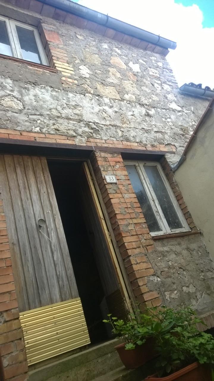 Bilocale Lugnano in Teverina Via Sasso Glorioso 10