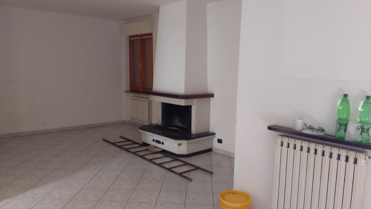 Appartamento in vendita a Montecastrilli, 6 locali, prezzo € 110.000 | Cambio Casa.it