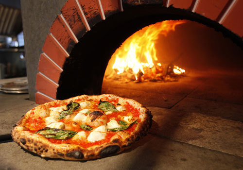 Ristorante / Pizzeria / Trattoria in vendita a Lucca, 1 locali, prezzo € 380.000 | CambioCasa.it