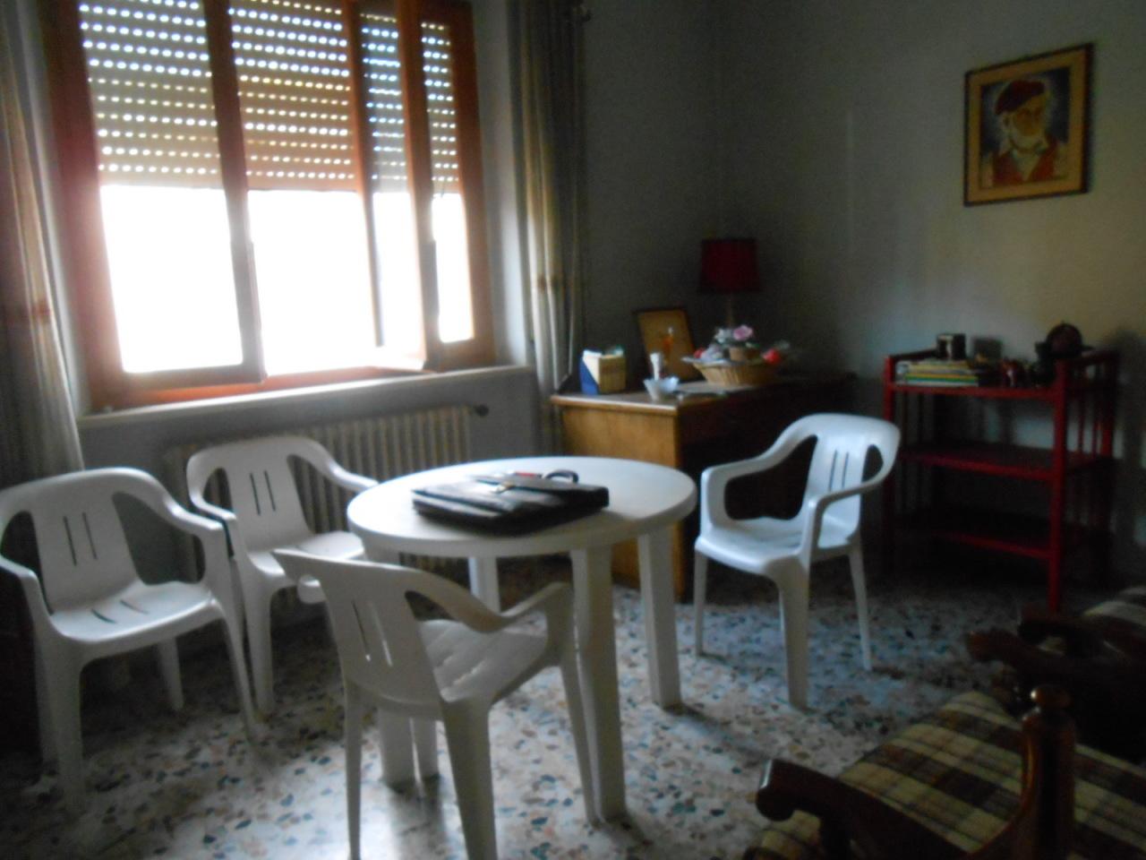 Villa in vendita a Vecchiano, 11 locali, prezzo € 300.000 | Cambio Casa.it