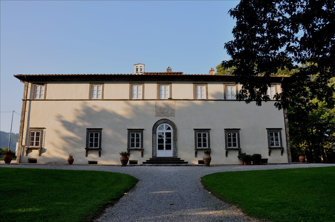 Villa in vendita a Lucca, 15 locali, prezzo € 1.500.000   Cambio Casa.it
