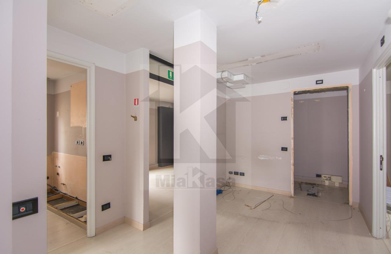 Ufficio / Studio in vendita a Uboldo, 5 locali, prezzo € 120.000 | CambioCasa.it