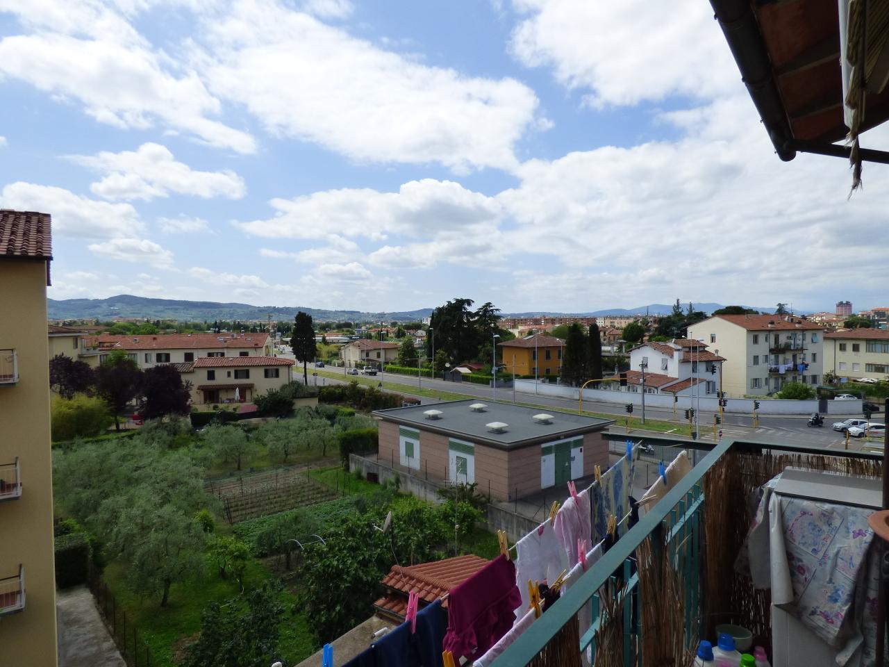 Bilocale Firenze Via Arcipressi \\ 9
