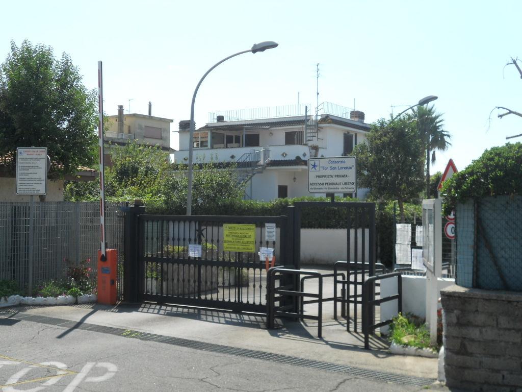 Bilocale Ardea Via Diomede 2