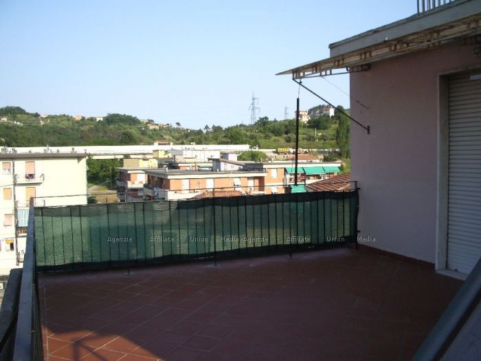 Bilocale Vezzano Ligure  2