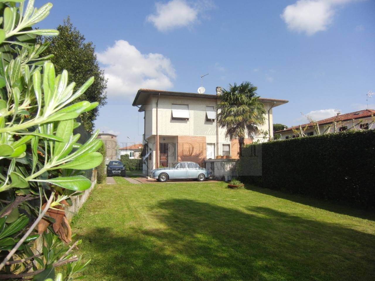Soluzione Indipendente in vendita a Pietrasanta, 6 locali, prezzo € 430.000 | Cambio Casa.it