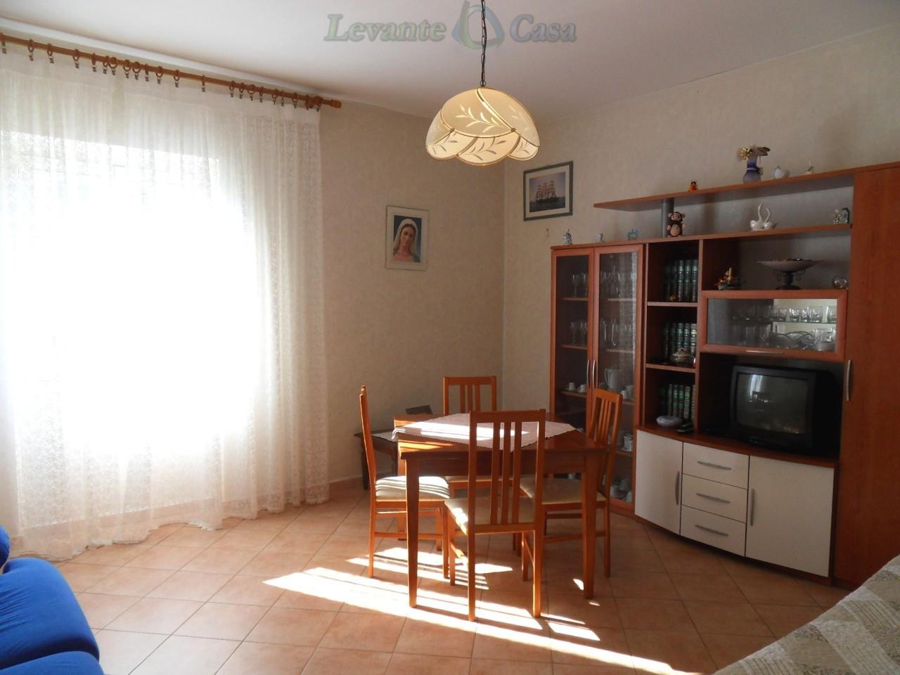 Appartamento in vendita a Recco, 4 locali, prezzo € 198.000 | Cambio Casa.it