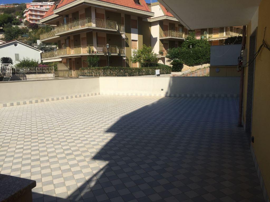 Bilocale Riva Ligure Via Aurelia 50 3