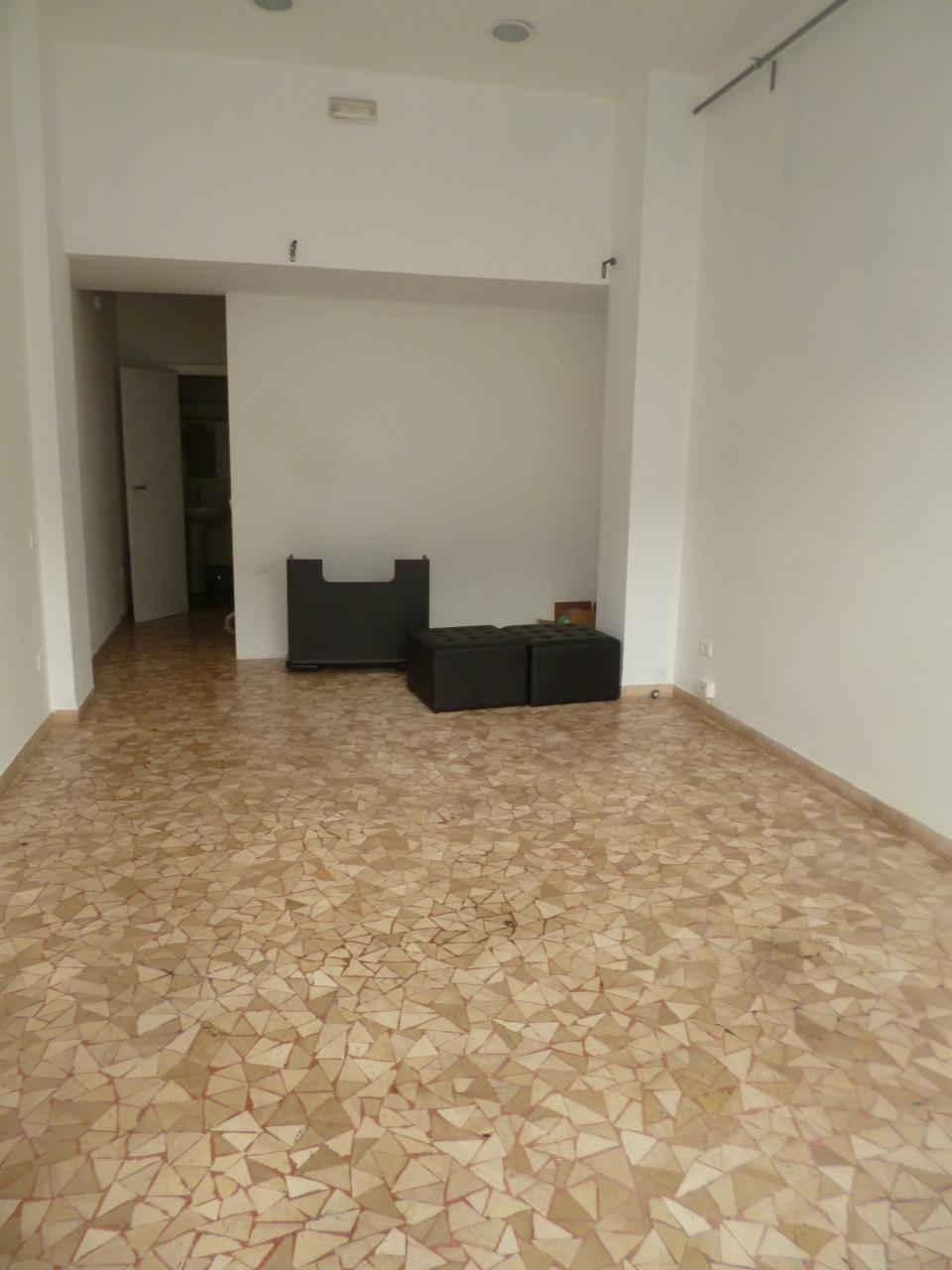 Capannone in vendita a Livorno, 1 locali, prezzo € 68.000 | Cambio Casa.it