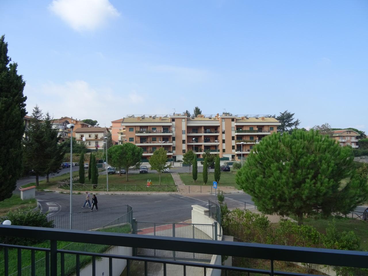 Appartamento in vendita a Marino, 3 locali, prezzo € 210.000 | Cambio Casa.it