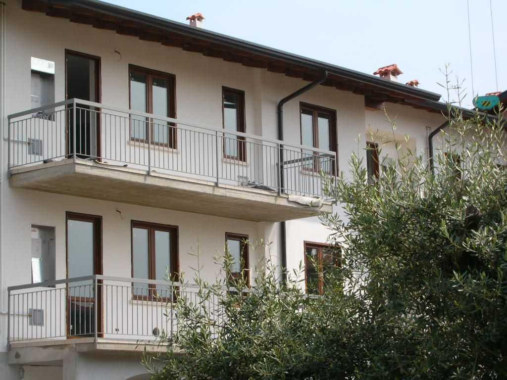 Ufficio / Studio in vendita a Rezzato, 4 locali, prezzo € 152.000   CambioCasa.it