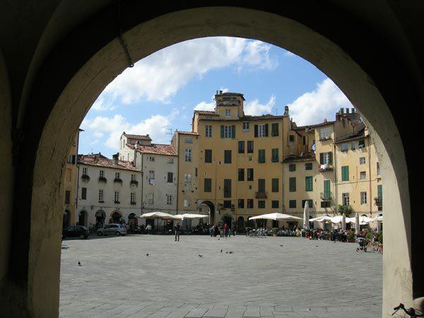 Capannone in affitto a Lucca, 4 locali, prezzo € 5.500 | Cambio Casa.it