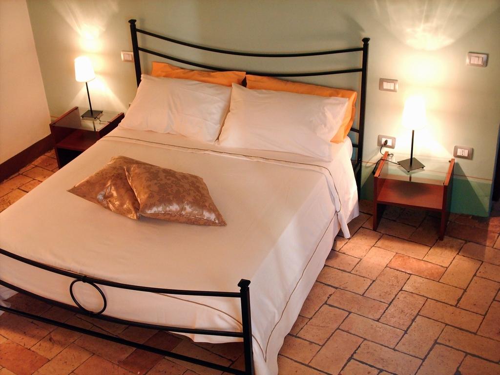 Attività / Licenza in vendita a Lucca, 4 locali, prezzo € 75.000   Cambio Casa.it