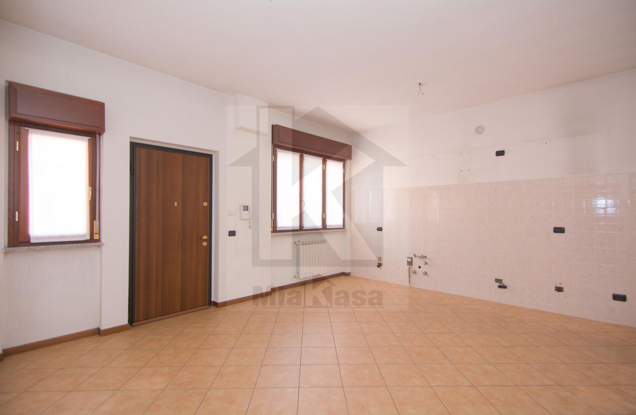 Appartamento in affitto a Uboldo, 2 locali, prezzo € 500 | Cambio Casa.it