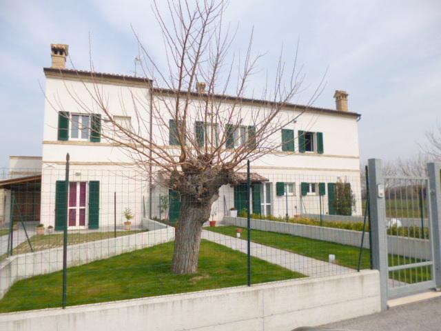 Rustico / Casale in vendita a Jesi, 6 locali, prezzo € 260.000 | Cambio Casa.it