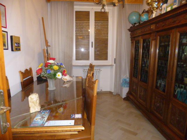 Appartamento in affitto a Jesi, 5 locali, prezzo € 550 | Cambio Casa.it