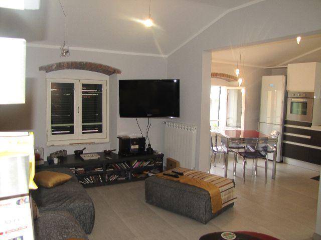 vendita appartamento sarzana   325000 euro  5 locali  110 mq