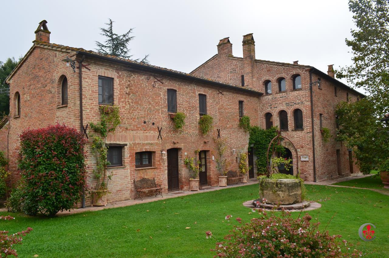 Rustico / Casale in vendita a Castiglione del Lago, 40 locali, prezzo € 4.500.000 | Cambio Casa.it