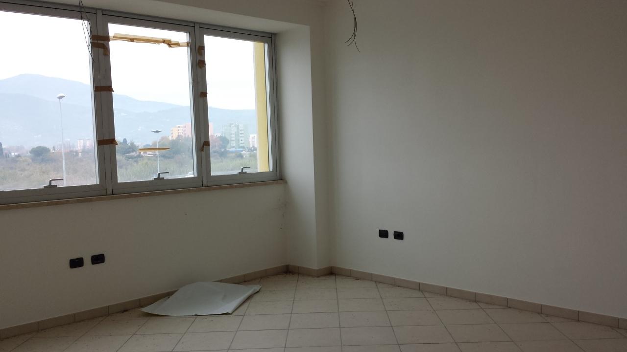 Ufficio / Studio in Affitto a Cascina