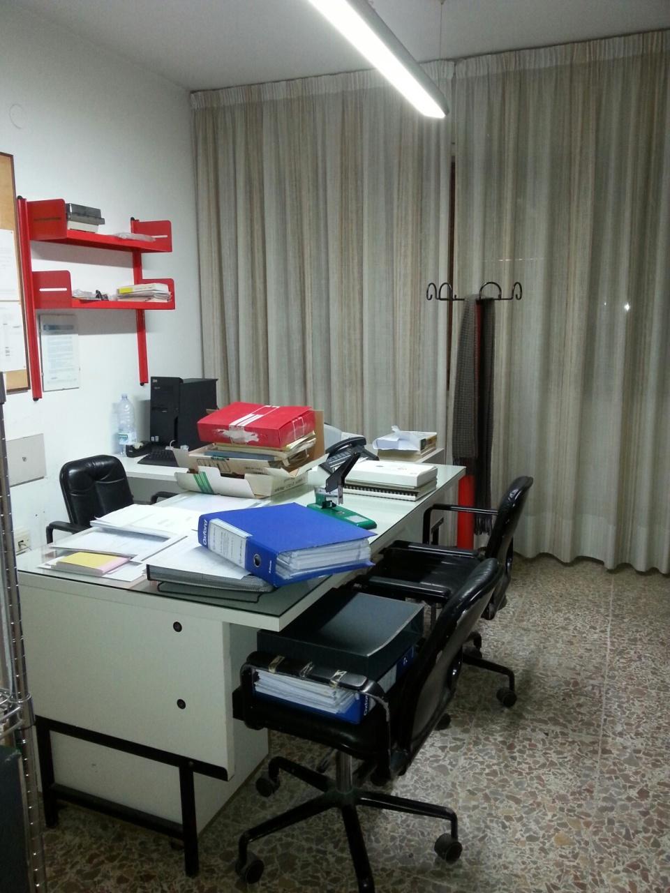 Ufficio / Studio in affitto a Pisa, 4 locali, prezzo € 700 | Cambio Casa.it