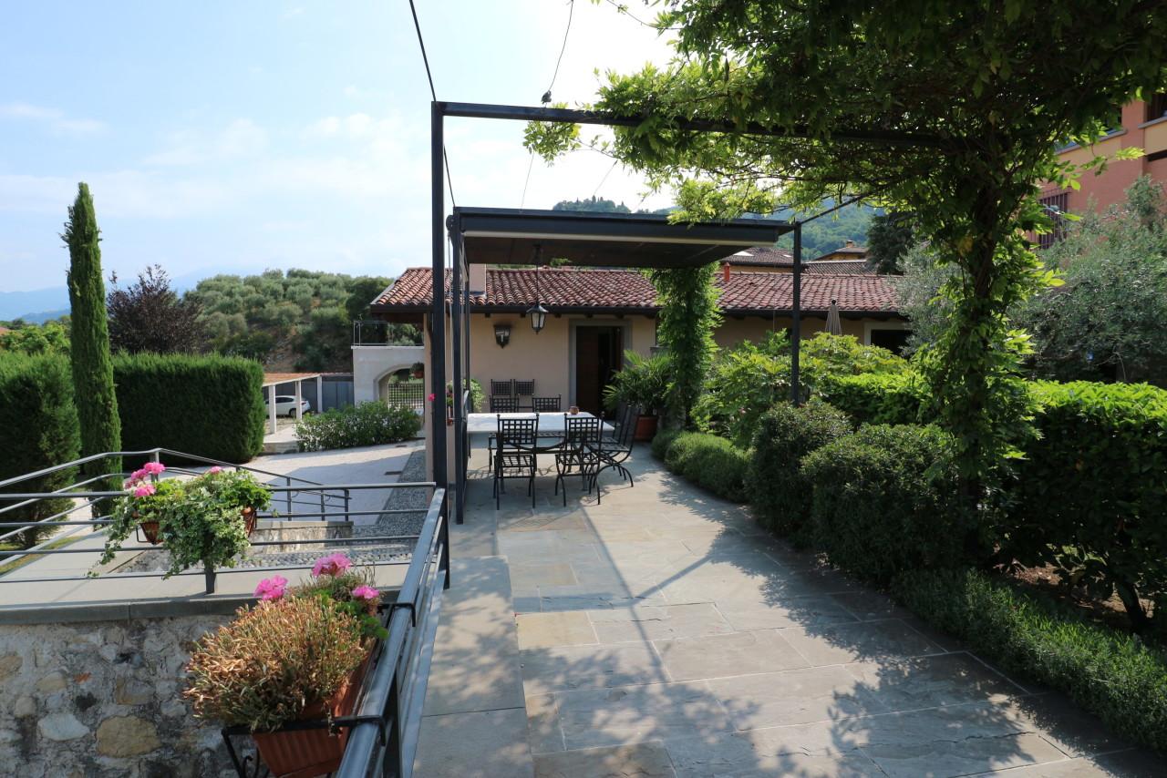 Casa indipendente in vendita a Iseo (BS)