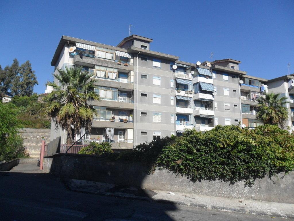 Bilocale Gravina di Catania Via Oberdan 12 1