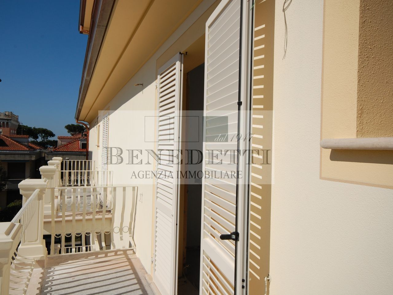 Appartamento in vendita a Camaiore, 5 locali, prezzo € 550.000 | Cambio Casa.it