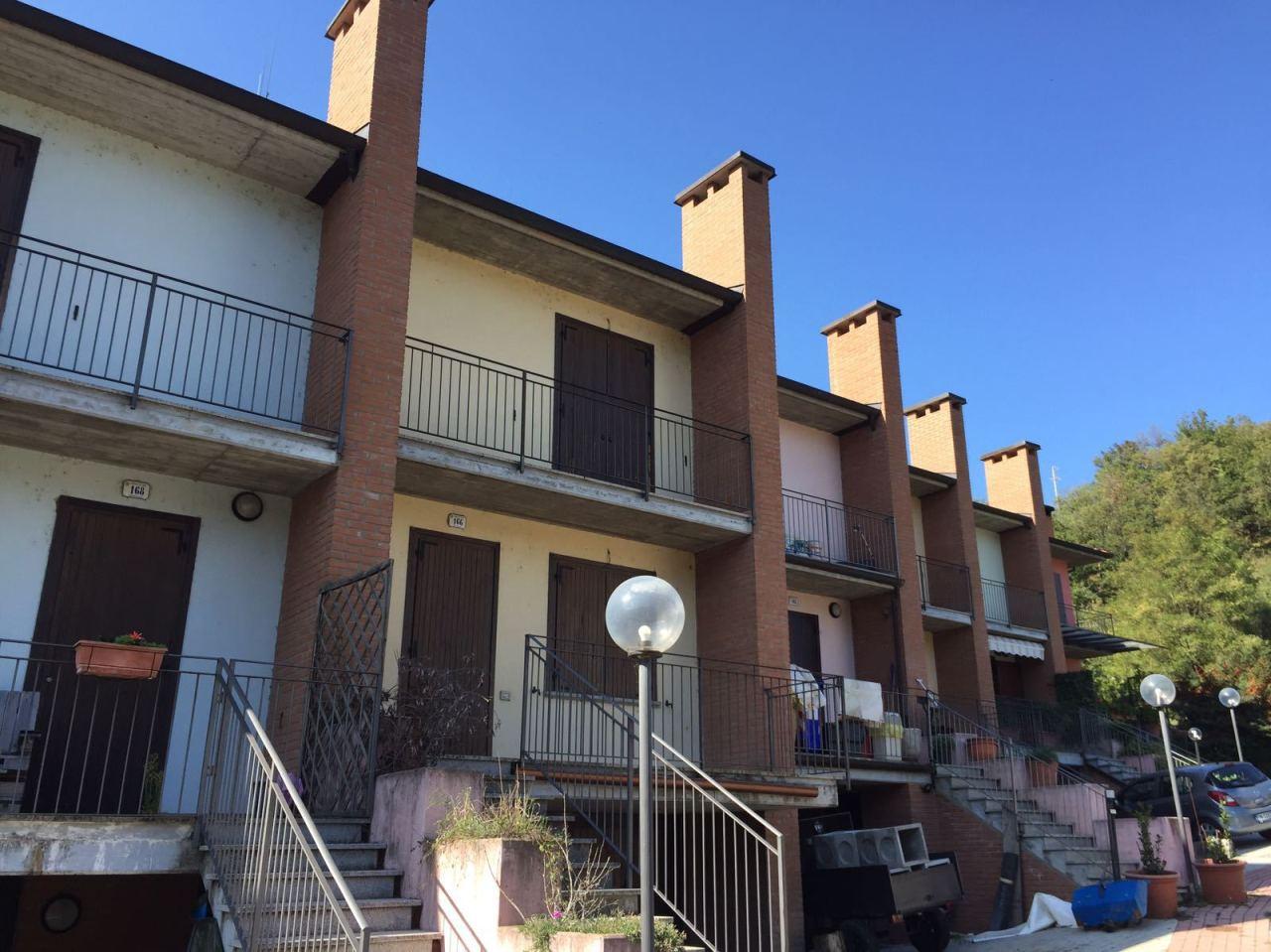 Villa a Schiera in Vendita a Fornovo di Taro