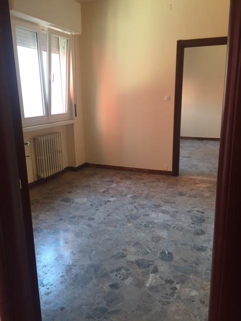 Negozio / Locale in affitto a Rovigo, 3 locali, prezzo € 300 | CambioCasa.it