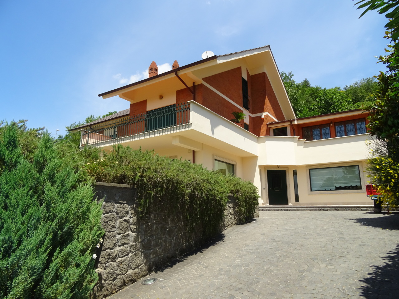 Soluzione Semindipendente in affitto a Rocca Priora, 12 locali, prezzo € 1.500 | Cambio Casa.it